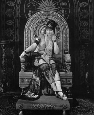 Betty-Blythe-Queen-of-Sheba-frame-01