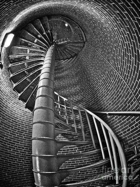 M.C.Escher-stairs-1